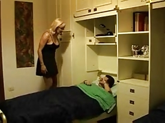 HORNY ITALIAN MOM ANALYSED BY GUY ROLEPLAY JB R