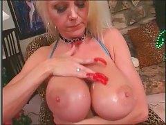 Hot Busty Mature Lori Pleasure