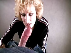 MILF Sucks and Swallows Huge Cumshot