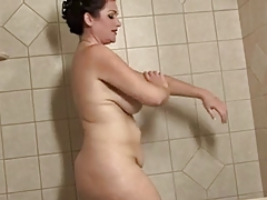 Chubby Mature With Big Lips Takes A Bath