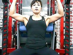 Korean Muscle Mom 03
