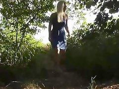 Ein Spaziergang Im Park Im Fluss Zu Ficken