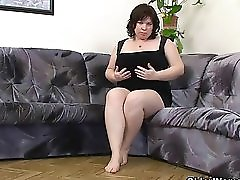 Chubby Mature Moms With Big Tits Masturbate
