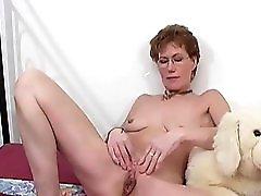 Mature Lady Masturbates Ant Studio