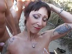 Silikon Taktiran Annem G String Bikini Ile Sahile Gidince