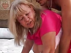 Mature full mummy seduces the Son 039 s friend at the thrown factory