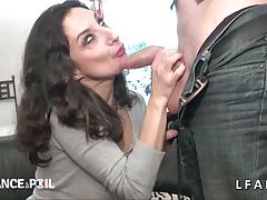 Casting Amateur Maman Cougar Suce Une Enorme Queue