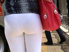 Sdruws2 Yoga Pants See Through At Bus Stop