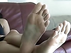 Long Soles & Toes