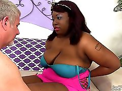 Black Plumper Luna Gets Fucked