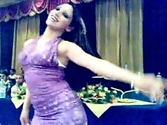 Hot syrian girl dancing