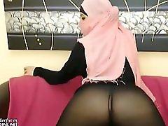 Real Arabian Egypt Teen In Hijab Masturbates On Webcam