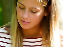 Impressive Upskirt Voyeur Video Of A Hot Girl In The Park