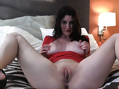 Girl Masturbates So Hot
